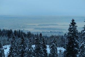 Blick auf den zugefrorenen Oslofjord und die Fjordinseln