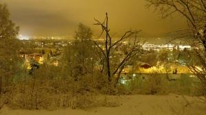 Winterwonderland Oslo bei Nacht