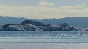 Winter im Oslofjord mit weißen Inselchen