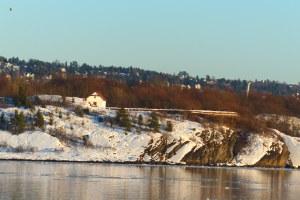 ... kleine Fjord - Øya (Inselchen)...