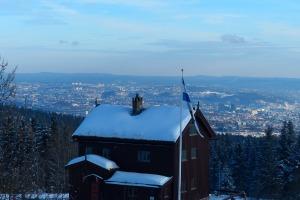 Skihütte am Frognerseteren oberhalb vom Holmenkollen