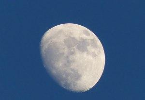 Ziemlich voller Mond ebendort