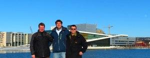 Steve, René und Chris vor der Oper (unsere englische Spitznamen für unsere USA Tour 2009)