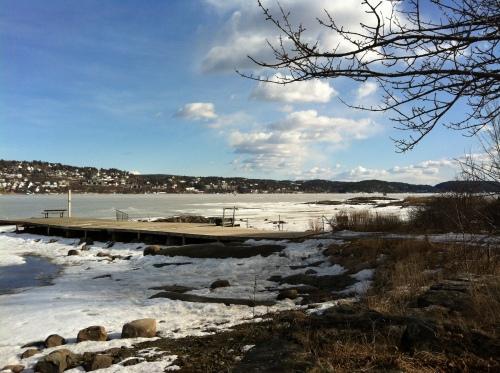 nur die Ostseite des Oslofjords hat noch Eis vorzuweisen
