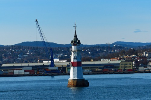 Leuchttürmchen im Hafen
