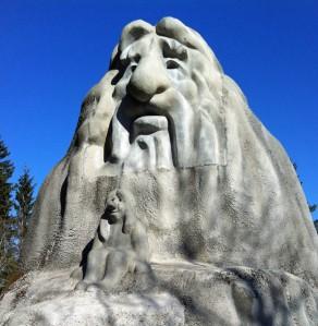 Der Troll wacht ueber den Holmenkollen