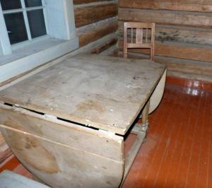 Bergbaumuseum: Esstisch (Unterkunft der Bergleute)