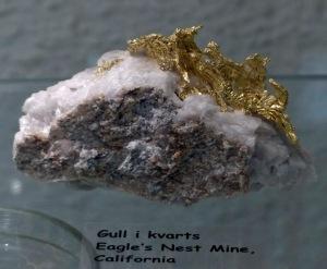 Mineraliensammlung Kongsberg: Gold in Quarz