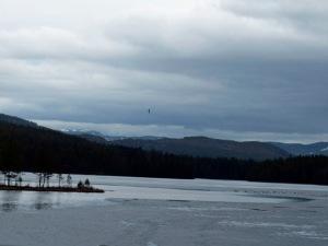 Im Fjell gibt es noch Resteisdecken auf den Seen