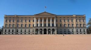 Das kønigliches Schloss in voller Pracht - und anwesendem Kønig (an der gehissten Flagge erkennbar)