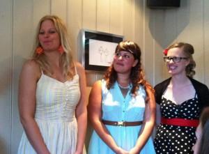 Sommerfest: Das Festkommite bekommt auch ein großes Lob - Inger, Veronika und eine Kollegin der Plastischen Kirurgi (beklager, jeg har glemt navnen)