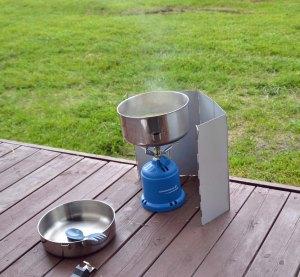 Wichtigstes Campingutensil: Heißer Tee und Suppe ..... im Norwegischen Juni/Juli.