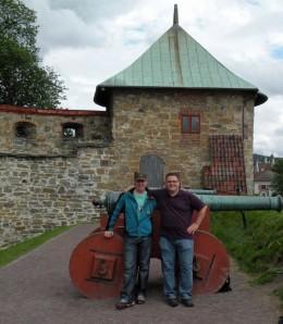 """""""Männer und ihr Lieblingsspielzeug"""" ;-) Kanonen auf Akershus Festung"""