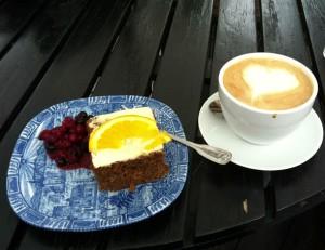 Sehr leckerer Gulrot-Kake (Karottenkuchen) ....