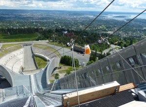 """Sommerspaß für Adrenalin-Junkies: 300m am Seil hinunterrutschen - """"Fühlen wie die Skispringer"""""""