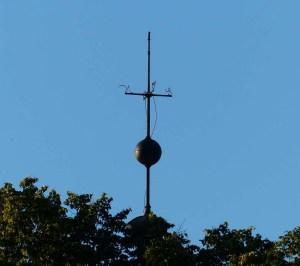 Turm der Kirche auf dem Unigelände