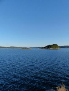 Auf die Inseln kommt man nur mit eigenem Boot.