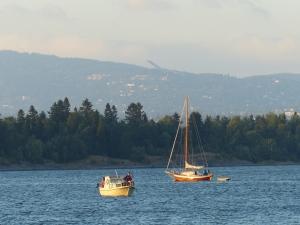 Segelsport und Skisprung - 2 der wichtigsten Norwegischen Sportarten.