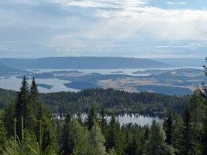 Aussicht ueber den Tyri-Fjorden (Bei schønem Wetter wuerde ich auf 40-50km Sicht tippen...