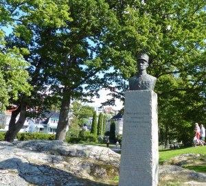 Oberst Erikson - Kommandeur der Oscarsborg Festung und Volksheld