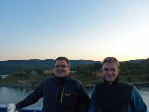 Hans-Jørg und ich auf der Fahrt durch den Oslofjord.