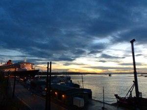 QM2 im Hafen von Oslo