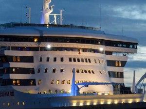 Imposantes Schiff - wirkt auf jeden Fall größer als alle die ich bisher hier gesehen habe...