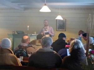 Hier gab es neben warmen Saft und Julelefser auch Julesang und Orgelspil