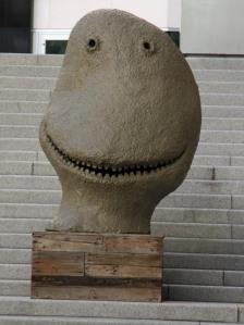 """""""Grinsemonster"""" vor dem Astrup-Fearnly-Museum (norwegisches MoMA) auf Tjuvholmen"""