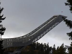 Skisprungturm am Holmenkollen (ich hoffe ja noch auf OL 2022 (Abkürzung für die  Winterolympiade auf die hier alle hoffen) :-)