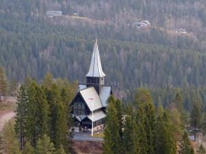 Holmenkollenkapelle von oben.