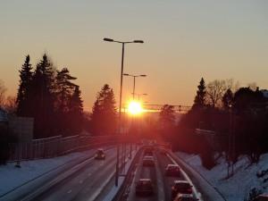 Wintersonnenuntergang über dem Stadtring