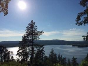 eines von Oslos Trinkwasserreservoiren bei schønstem Sommerwetter