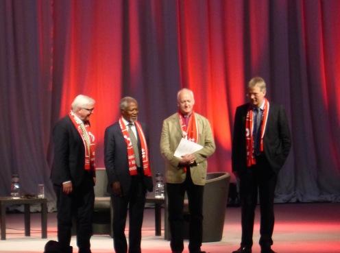 ... und mit Frank-Walter Steinmeier, damals Bundesaußenminister, heute Bundespräsident.