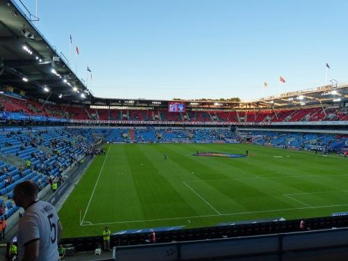 Super Spätsommer Wetter im Ullevål Stadion in Oslo