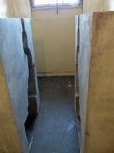 """95 Künstler durften die Zellen gestalten: Hier von Ai WaiWai (chinesischer Künstler) """"Man in the Cube"""""""