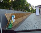 Krippe aus 2017 Holzkreuzen (von der Geburt Jesu bis heute mit den wichtigsten Geschichtsdaten dahinter bei der jeweiligen Stehlenzahl - Bayerischer Garten auf der Weltausstellung