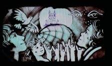 """""""Sandkunst"""" - die Künstlerin erstellt in atemberaubender Geschwindigkeit neue Bilder mit feinem Sand (von unten beleuchtet)"""